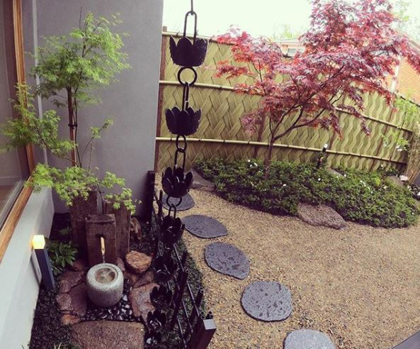Japanese garden ideas with rain chain and stepping stones
