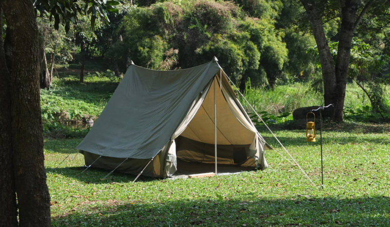 garden camping ideas with traditional canvas tents