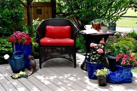 Garden Furniture Ideas for a Small Patio