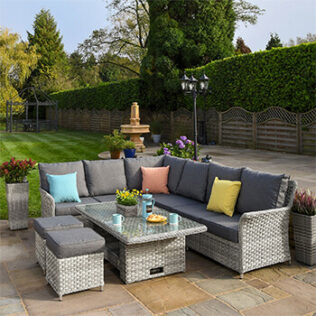What Is Resin Garden Furniture? – Benefits and Tips When Buying 1
