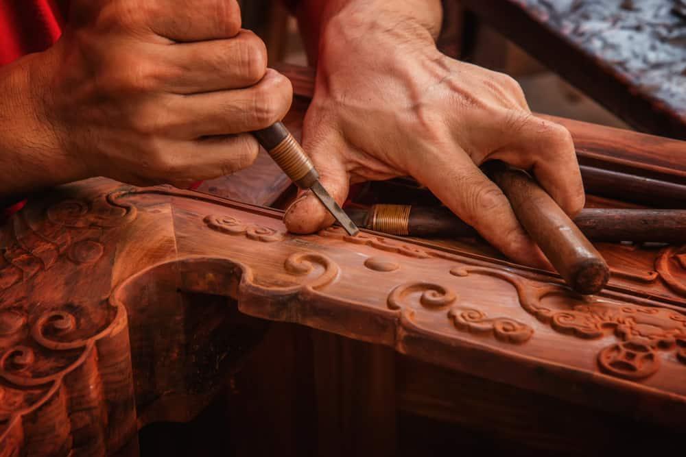 carving mahagony furniture