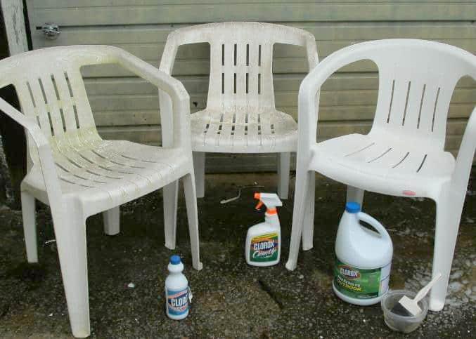 clean green algae off plastic chairs