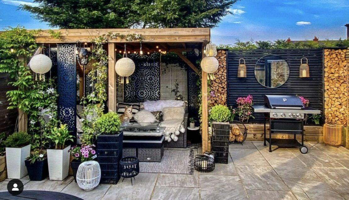 decorate an outdoor gazebo