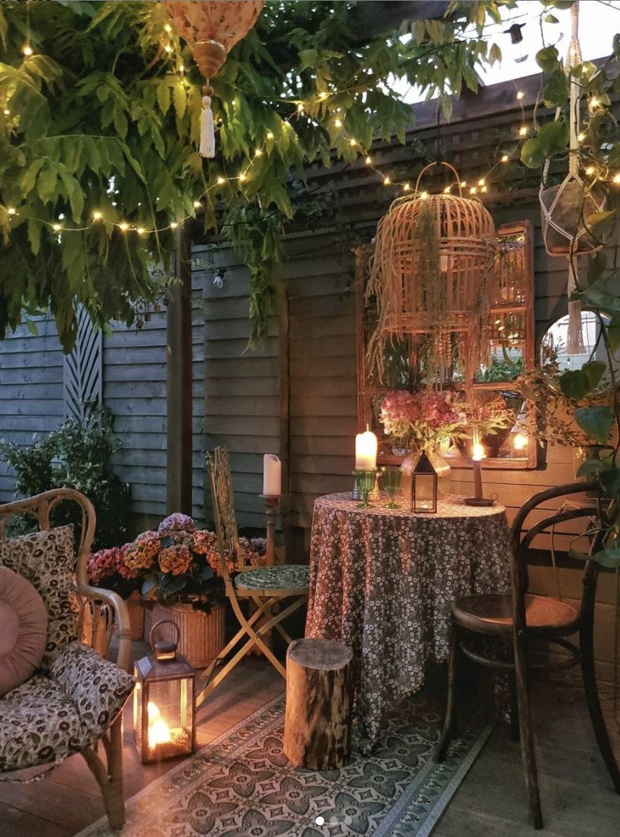 decorate gazebo with foliage
