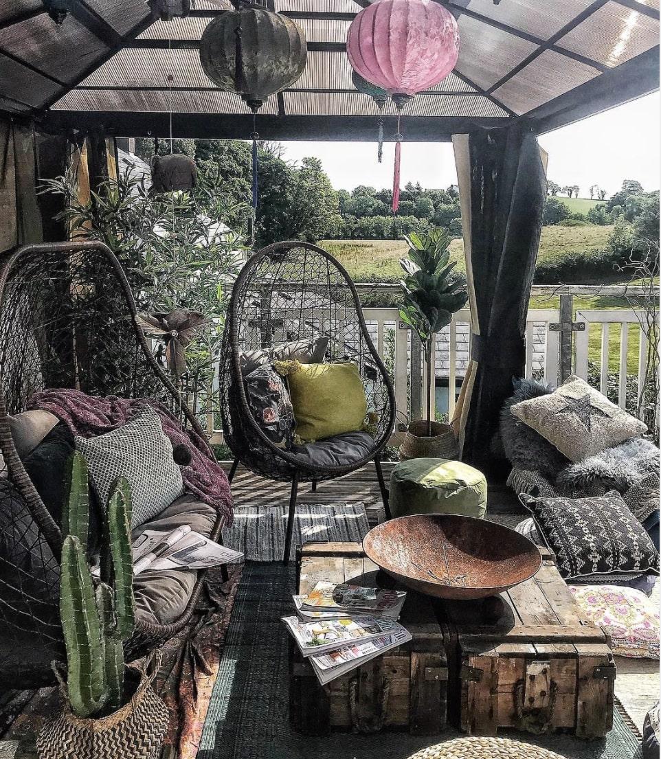 decorate gazebo with furnishings