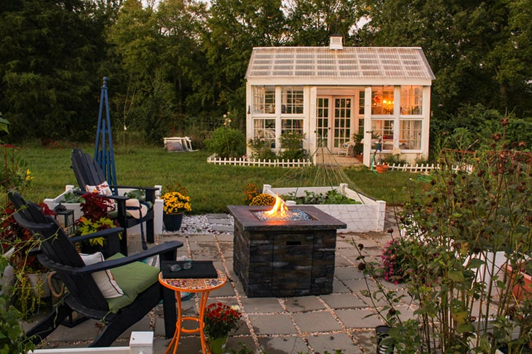 garden furniture and fire pit ideas