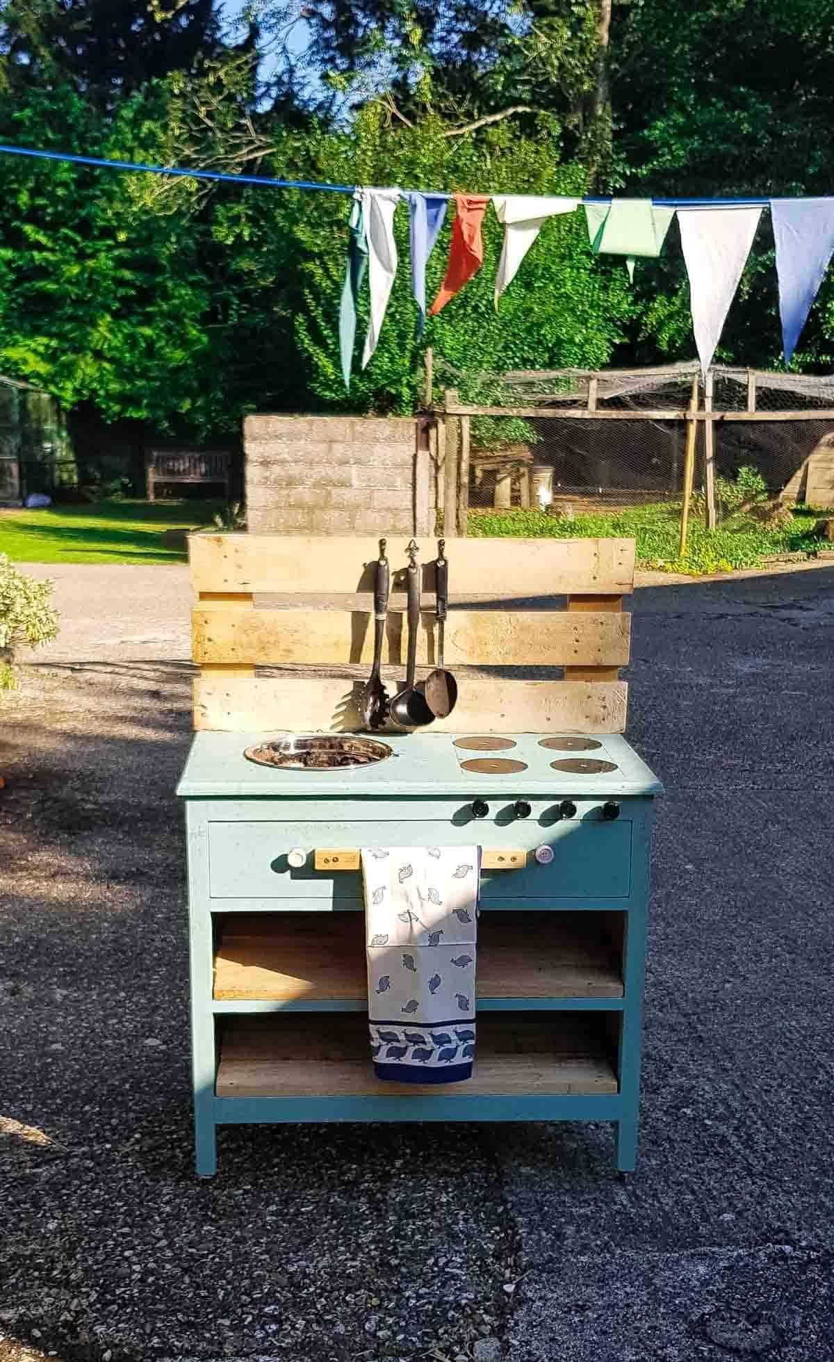 garden play kitchens for kids