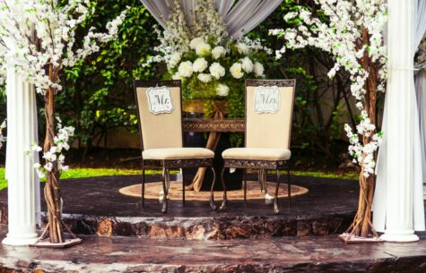 How to Decorate a Gazebo for a Wedding 2