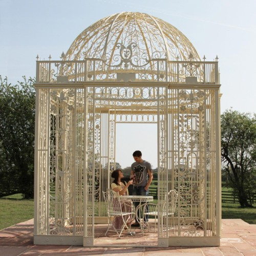 What Is a Gazebo and What's it Used for? 2