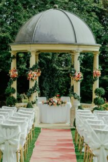 How to Decorate a Gazebo for a Wedding 1