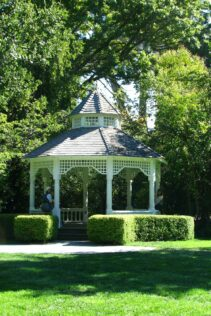 What Is a Gazebo and What's it Used for? 1