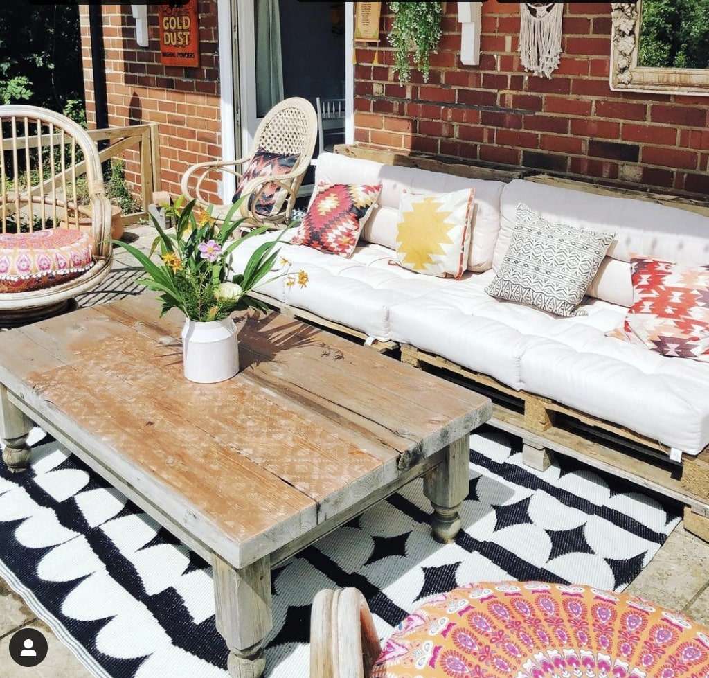 make rustic garden furniture