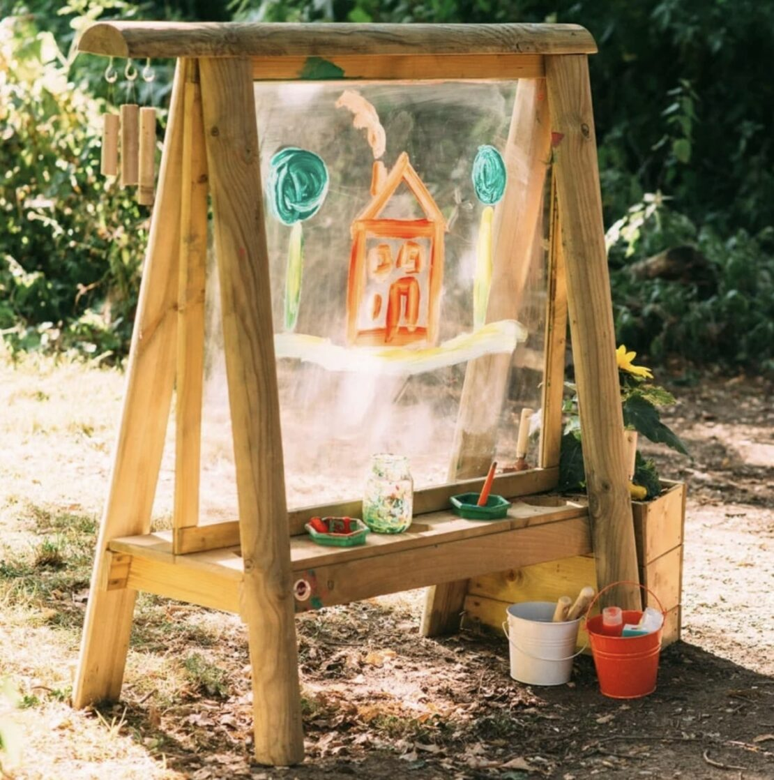 outdoor easel for kids