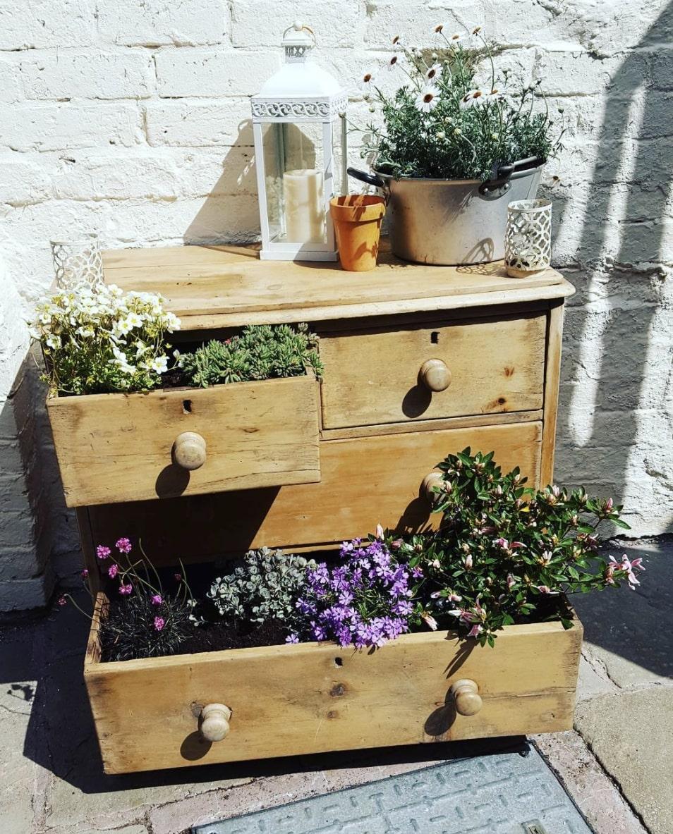 planter drawer