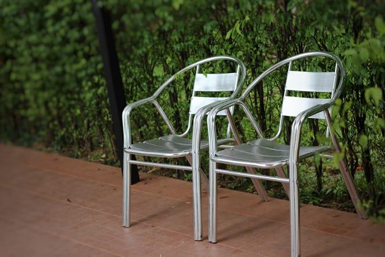 remove paint from aluminium garden furniture