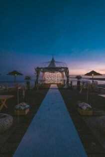 How to Decorate a Gazebo for a Wedding 3