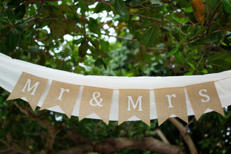 How to Decorate a Gazebo for a Wedding 8