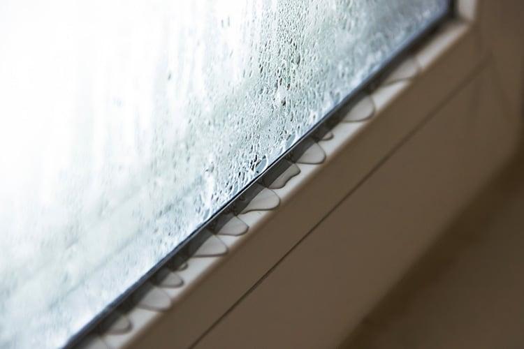 stop condensation under garden furniture covers