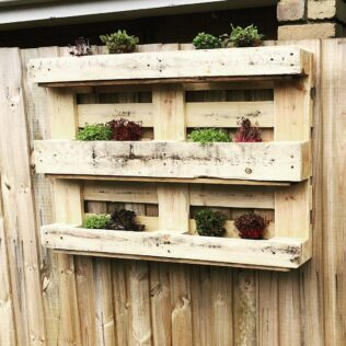 How to Build a Planter Box Out of Wood 3
