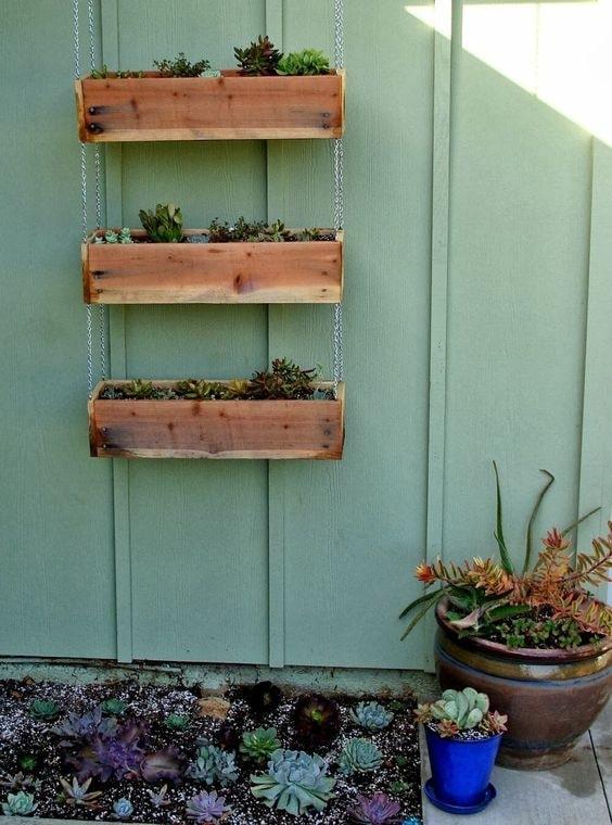 building a hanging planter box