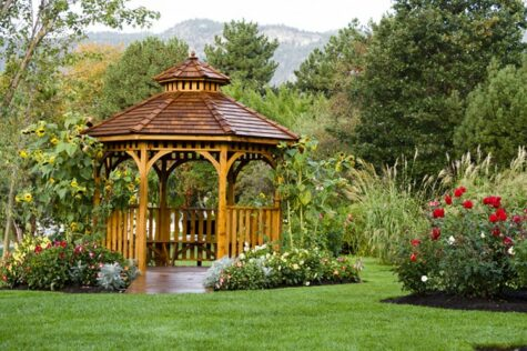 how to build an octagon gazebo roof