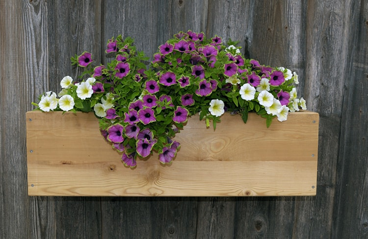 how to make a wall flower box