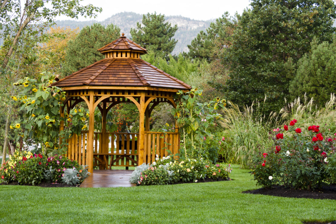 How to Build an Octagonal Gazebo Roof 1