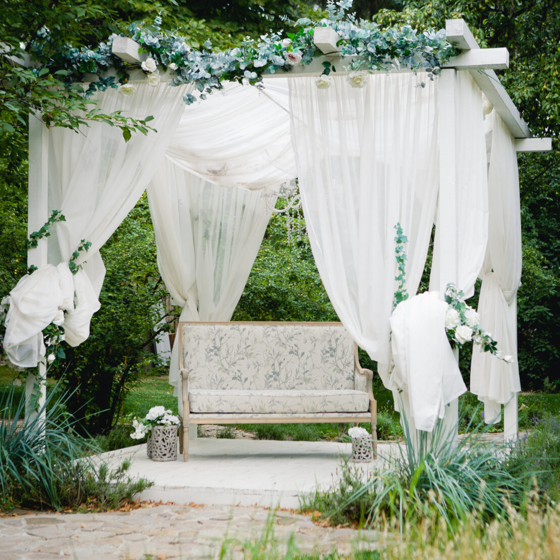 How to Hang Gazebo Curtains 3