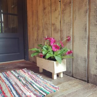 How to Make a Flower Box (Without Spending a Penny) 1