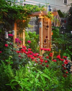 How to Build a Simple Arbour with Planter Boxes & Creative DIY Ideas 4