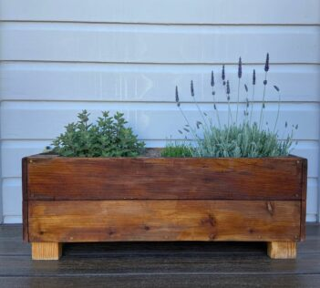 How to Waterproof A Wooden Planter Box 1